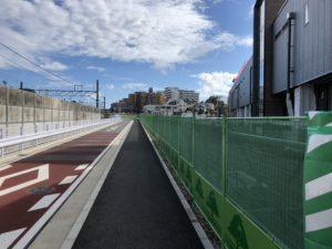新駅横の市道2